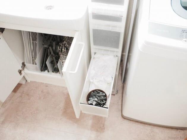 洗面所 洗面所下収納 無印 洗濯用品 ピンチハンガー アルミハンガー プラスマイナスゼロ カインズ 無印 ファイルケース PPストッカー 洗濯バサミ 洗濯ネット 収納